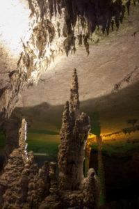 Сталагмиты в Kong Lor Cave