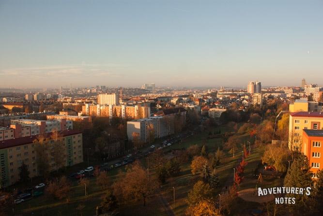 Прага с 11 этажа трехзвездочного отеля