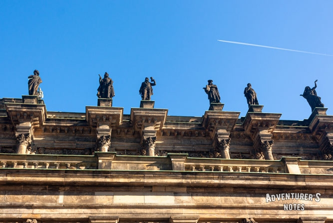 Statues on the roof, Dresden