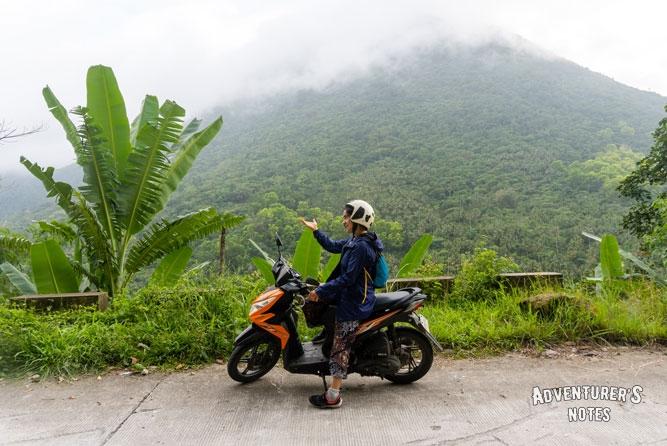 Ева на мотоцикле :)