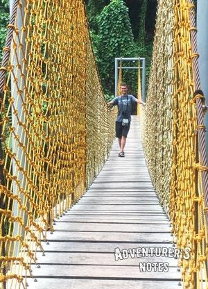 Мост на водопаде Пулангбато