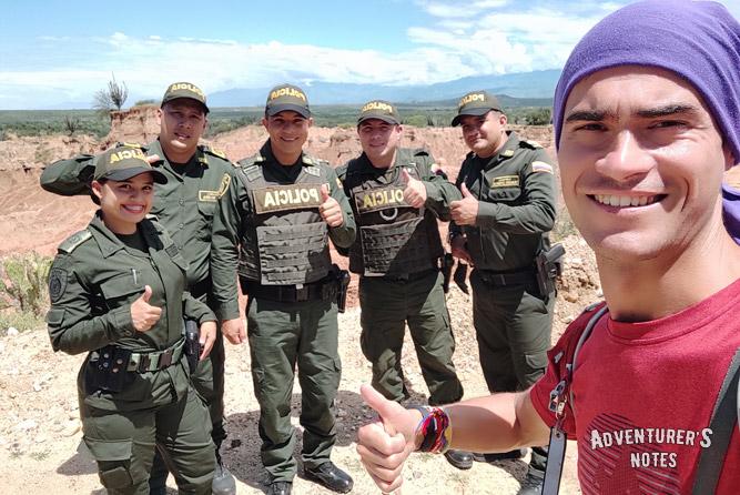 Полицейский патруль. Колумбия, пустыня Татакоа
